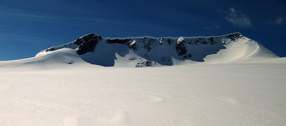Nordsiden av Fannaråki på Fannaråkbreen