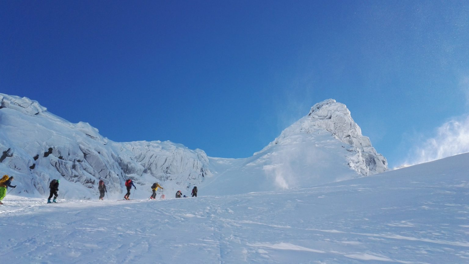 En gruppe på vei opp siste delen mot Geitgallien