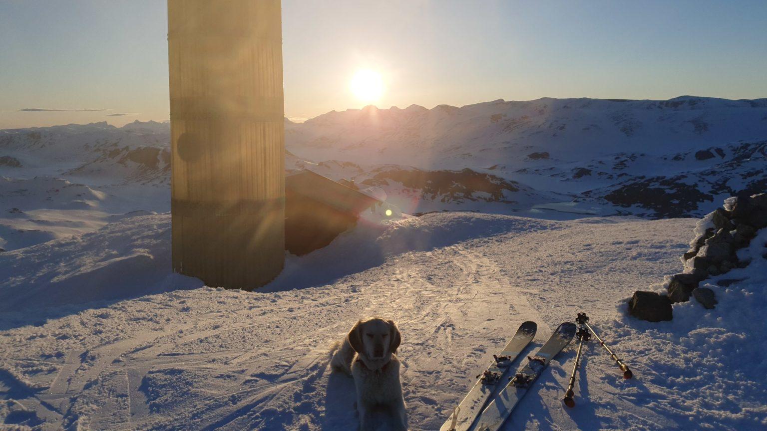 Solnedgang fra toppen av Bitihorn